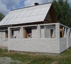 Пристройка из пеноблоков к деревянному дому